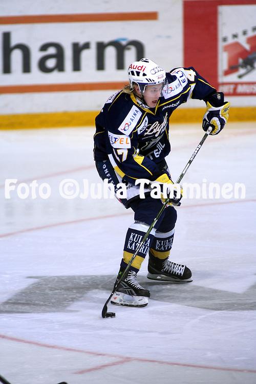 17.10.2009, Barona Areena, Espoo..J??kiekon SM-liiga 2009-10.Blues - Tappara.Ville Lajunen - Blues.©Juha Tamminen.