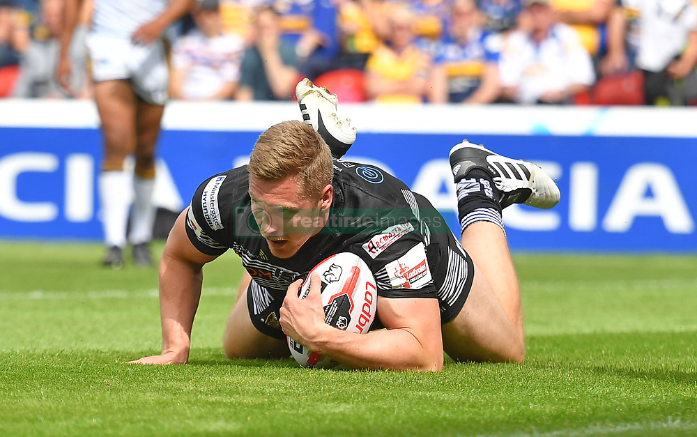 Hull FC's Chris Green scores his team's third try during the Challenge Cup Semi Final match at The Keepmoat Stadium, Doncaster.
