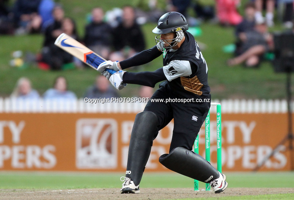 New Zealand batsman Peter McGlashan reverse sweeps for a 6. New Zealand Black Caps v Pakistan, Match 2. Twenty 20 Cricket match at Seddon Park, Hamilton, New Zealand. Tuesday 28 December 2010. Photo: Andrew Cornaga/photosport.co.nz