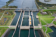 Nederland, Zeeland, Philipsdam, 23-10-2013; Krammersluizen onderdeel van de Schelde-Rijnverbinding. De sluizen bevinden zich tussen het zoete water van het  Volkerak en het zoute water de Oosterschelde (via de Krammer). <br /> Philipsdam with Krammersluizen, part of the Delta Works.<br /> luchtfoto (toeslag op standaard tarieven);<br /> aerial photo (additional fee required);<br /> copyright foto/photo Siebe Swart.