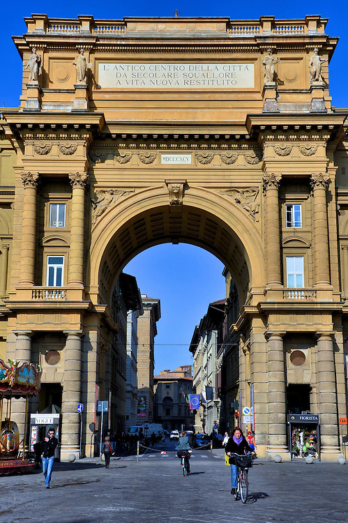 Arcone Triumpal Arch at Piazza della Repubblica in Florence, Italy<br />
