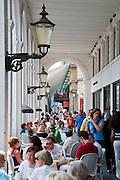Alsterarkaden, Hamburg, Deutschland.|.Alster Arcades, Hamburg, Germany
