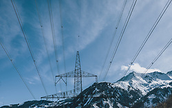 THEMENBILD - Strommast vor blauem Himmel und einem Bergmassiv, aufgenommen am 27. Februar 2020 in Kaprun, Oesterreich // Power pole against a blue sky and a mountain skyline, in Kaprun, Austria on 2020/02/27. EXPA Pictures © 2020, PhotoCredit: EXPA/Stefanie Oberhauser