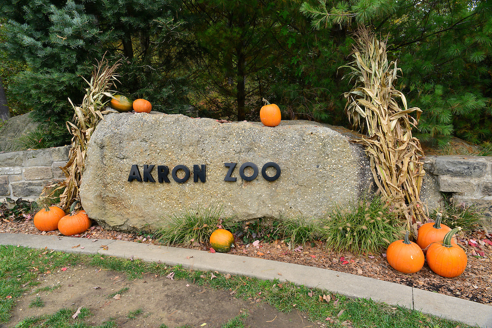 Entrance of the Akron Zoo.