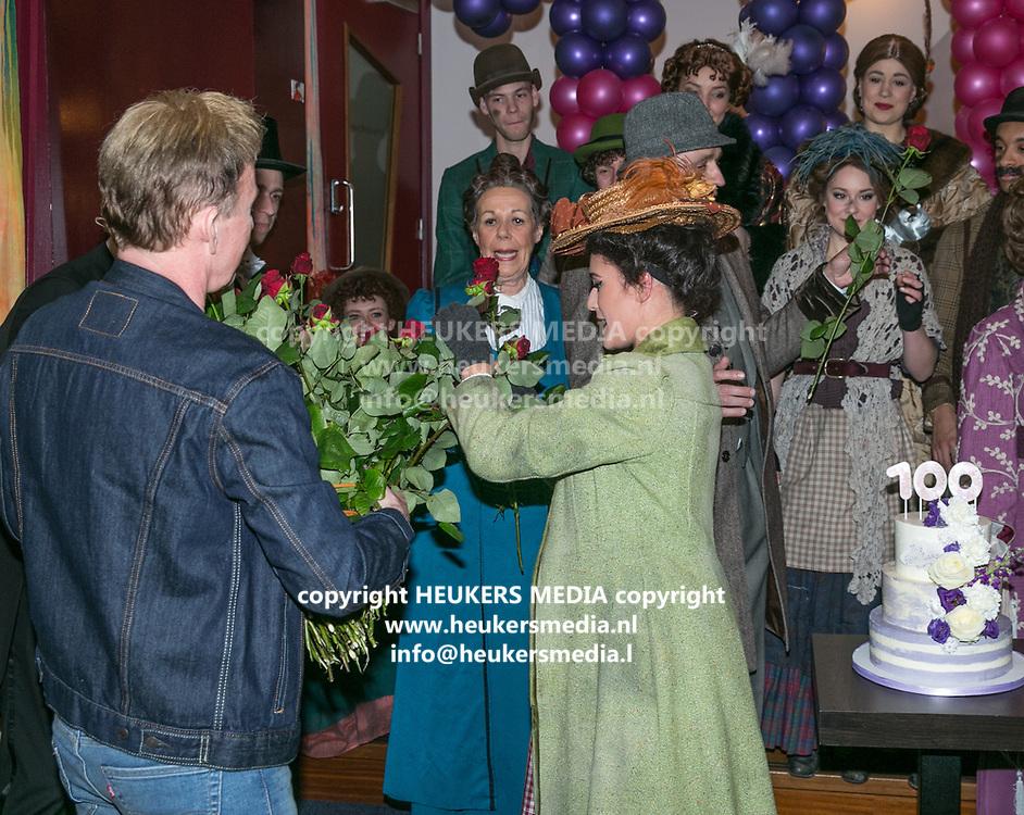 2018-03-10. Schouwburg het Park, Hoorn. 100ste My Fair Lady. Op de foto: Hans Cornelissen en Esmee Dekker