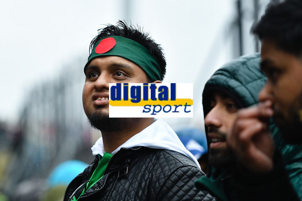 Cricket - 2019 ICC Cricket World Cup - Group Stage: Bangladesh vs. Sri Lanka<br /> <br /> Bangladesh fans in good form despite the rain, at County Ground, Bristol.<br /> <br /> COLORSPORT/ASHLEY WESTERN