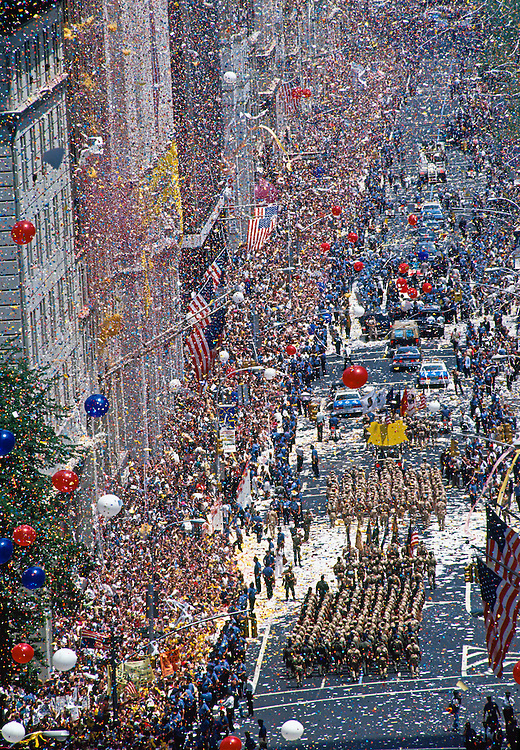 """""""Operation Welcome Home"""" parade for the troops that served in Operation Desert Storm in 1991, Iraq Gulf War, Broadway Avenue, Manhattan, New York City, NY, USA"""