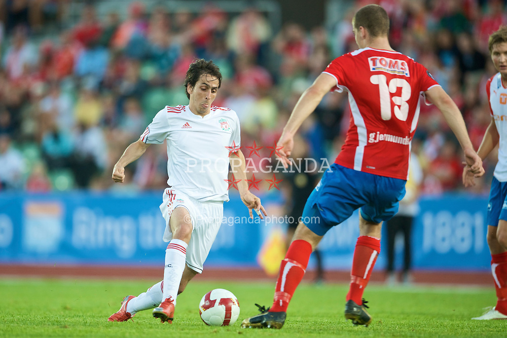 OSLO, NORWAY - Wednesday, August 5, 2009: Liverpool's Yossi Benayoun in action against FC Lyn Oslo during a preseason match at the Bislett Stadion. (Pic by David Rawcliffe/Propaganda)