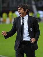 FUSSBALL INTERNATIONAL  SERIE A  SAISON  2011/2012  37.Spieltag  Cagliari Calcio - Juventus Turin  06.05.2012 Antonio Conte (Trainer Juventus) jubelt