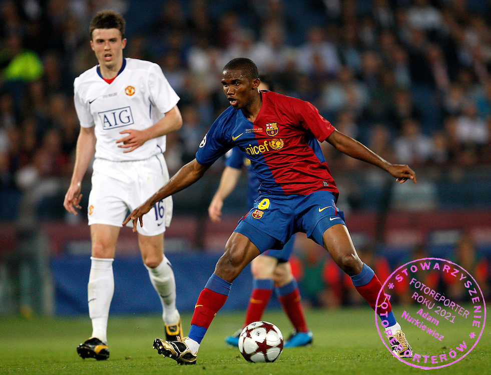 ROME 27/05/2009.Uefa Champions League - Final.Manchester United v Fc Barcelona.Samuel Eto'o of Barcelona and Michael Carrick of Manchester Utd ..Fot. Piotr Hawalej / WROFOTO