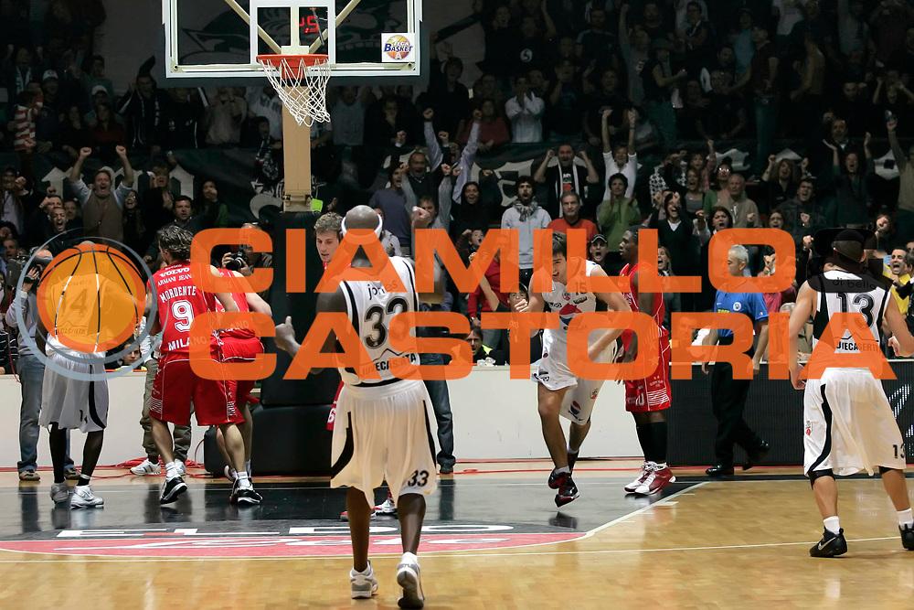 DESCRIZIONE : Caserta Lega A 2009-10 Pepsi Caserta Armani Jeans Milano<br /> GIOCATORE : Andrea Michelori<br /> SQUADRA : Pepsi Caserta<br /> EVENTO : Campionato Lega A 2009-2010 <br /> GARA : Pepsi Caserta Armani Jeans Milano<br /> DATA : 25/10/2009<br /> CATEGORIA : esultanza<br /> SPORT : Pallacanestro <br /> AUTORE : Agenzia Ciamillo-Castoria/A.De Lise