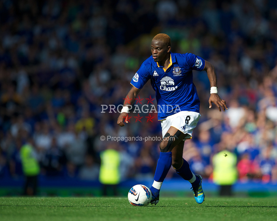 LIVERPOOL, ENGLAND - Saturday, October 1, 2011: Everton's Louis Saha in action against Liverpool during the Premiership match at Goodison Park. (Pic by David Rawcliffe/Propaganda)