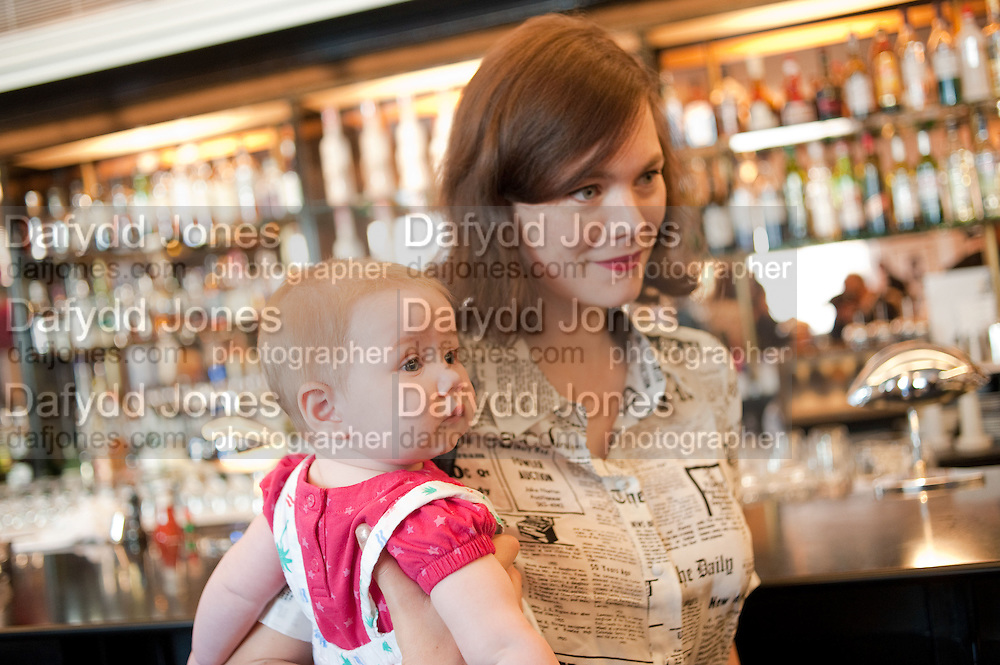 JASMINE GUINNESS WITH HERE DAUGHTER RUBY RAINEY, The launch of the Belvedere Bloody Mary Brunch to London's Caprice. Le Caprice. Arlington st. London. 7 April 2011.  -DO NOT ARCHIVE-© Copyright Photograph by Dafydd Jones. 248 Clapham Rd. London SW9 0PZ. Tel 0207 820 0771. www.dafjones.com.