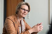 12 APR 2019, BERLIN/GERMANY:<br /> Anja Karliczek, CDU, Bundesministerin fuer Forschung und Bildung, waehrend einem Interview, in ihrem Buero, Bundesministerium fuer Forschung un Bildung<br /> IMAGE: 20190412-01-010<br /> KEYWORDS: B&uuml;ro