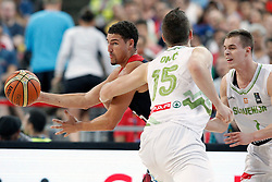 09.09.2014, City Arena, Barcelona, ESP, FIBA WM, Slowenien vs USA, im Bild Slovenia's Alen Omic (c) and Klemen Prepelic (r) and USA's Klay Thompson // during FIBA Basketball World Cup Spain 2014 match between Slovenia and USA at the City Arena in Barcelona, Spain on 2014/09/09. EXPA Pictures © 2014, PhotoCredit: EXPA/ Alterphotos/ Acero<br /> <br /> *****ATTENTION - OUT of ESP, SUI*****