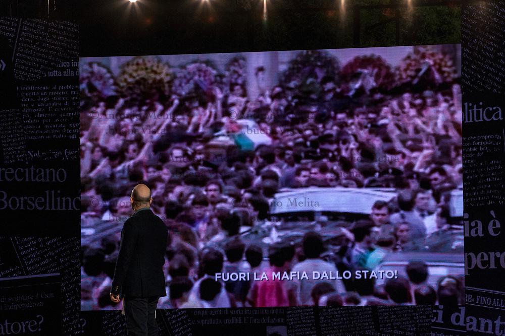 Roberto Saviano durante la diretta RAI da via D'Amelio in occasione del 25° anniversario della strage di Capaci.