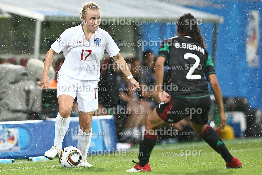 17.07.2010,  Augsburg, GER, FIFA U20 Womens Worldcup, England vs Mexico,  im Bild Isobel Christiansen (England Nr.17) und Sierra Bianca (Mexico Nr.2) , EXPA Pictures © 2010, PhotoCredit: EXPA/ nph/ . Straubmeier+++++ ATTENTION - OUT OF GER +++++ / SPORTIDA PHOTO AGENCY