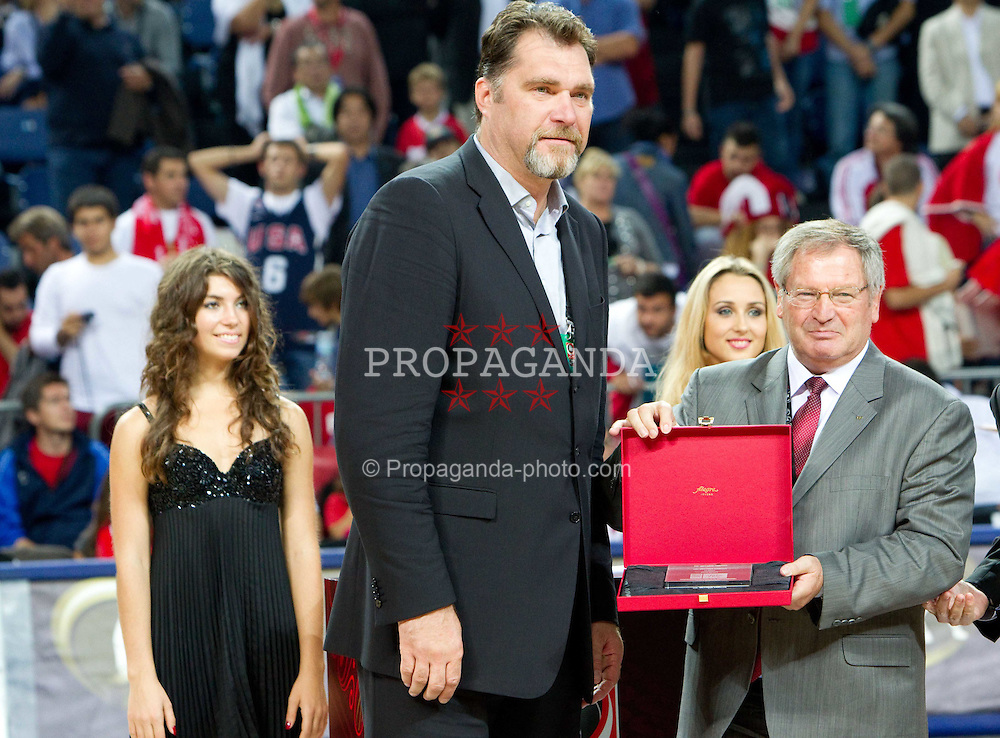 12.09.2010, Sinan Erdem Dome, Istanbul, TUR, 2010 FIBA World Championship, Final, Turkey vs USA, im Bild Arvydas Sabonis of Lithuania and president of FIBA Yvan Mainini  at FIBA Hall of fame ceremony during the final basketball match, EXPA Pictures © 2010, PhotoCredit: EXPA/ Sportida/ Vid Ponikvar *** ATTENTION *** SLOVENIA OUT!