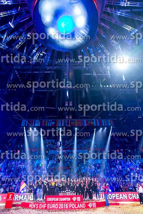 31.01.2016, Tauron Arena, Krakau, POL, EHF Euro 2016, Deutschalnd vs Spanien, Siegerehrung, im Bild Deutschland freut sich ueber den Sieg der Europameisterschaft 2016 // during the award winner ceremony of 2016 EHF Euro at the Tauron Arena in Krakau, Poland on 2016/01/31. EXPA Pictures &copy; 2016, PhotoCredit: EXPA/ Eibner-Pressefoto/ Koenig<br /> <br /> *****ATTENTION - OUT of GER*****