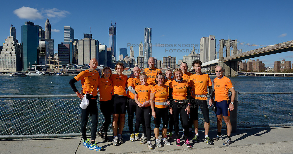 04-11-2012 ALGEMEEN: BVDGF NY MARATHON: NEW YORK<br /> De lopers van de BvdGf hebben vandaag hun eigen route gelopen langs de Hudson, Brooklyn Bridge een Manhattan Bridge / <br /> &copy;2012-FotoHoogendoorn.nl
