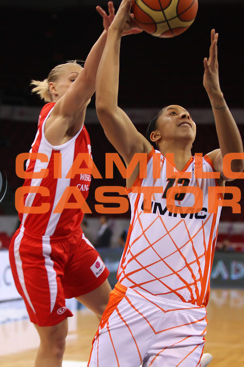 DESCRIZIONE : Istanbul Fiba Europe Euroleague Women 2011-2012 Final Eight UMMC Ekaterinburg Wisla Can-Pack<br /> GIOCATORE : Candace Parker<br /> SQUADRA : UMMC Ekaterinburg<br /> EVENTO : Euroleague Women<br /> 2011-2012<br /> GARA : UMMC Ekaterinburg Wisla Can-Pack<br /> DATA : 29/03/2012<br /> CATEGORIA : <br /> SPORT : Pallacanestro <br /> AUTORE : Agenzia Ciamillo-Castoria/ElioCastoria<br /> Galleria : Fiba Europe Euroleague Women 2011-2012 Final Eight<br /> Fotonotizia : Istanbul Fiba Europe Euroleague Women 2011-2012 Final Eight UMMC Ekaterinburg Wisla Can-Pack<br /> Predefinita :