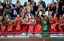 Bristol City lift the JPT Trophy  - Photo mandatory by-line: Joe Meredith/JMP - Mobile: 07966 386802 - 22/03/2015 - SPORT - Football - London - Wembley Stadium - Bristol City v Walsall - Johnstone Paint Trophy Final
