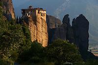 Grèce, Thessalie, Monastères des Météores, classés Patrimoine Mondial de l'UNESCO, monastère de Roussanou // Greece, Thessaly, Meteora, Uesco World Hertitage, Roussanou Monastery
