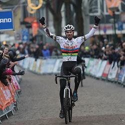 14-01-2018: Wielrennen: NK Veldrijden: Surhuisterveen: Joris Nieuwenhuis nieuwe beloften kampioen
