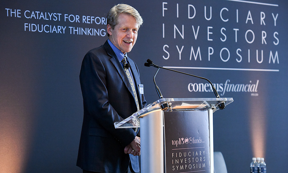 Photo by Mara Lavitt<br /> October 25, 2016<br /> Nobel Laureate and Yale professor Robert Shiller addresses the Fiduciary Investors Symposium held at Yale University's School of Management, New Haven, CT.