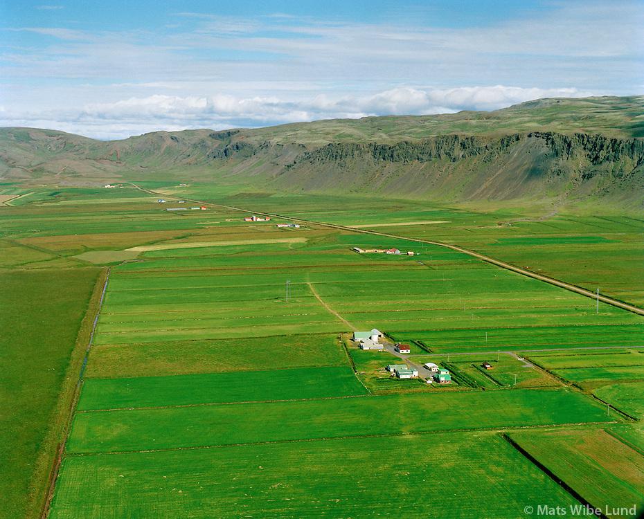 Nautaflatir og Hjarðarból séð til norðurs, Ölfushreppur / Nautaflatir and Hjardarbol viewing north, Olfushreppur. .#.Nýtt nafn:  Sveitarfélagið Ölfus  /  New name of the municipality: Sveitarfelagid Olfus.