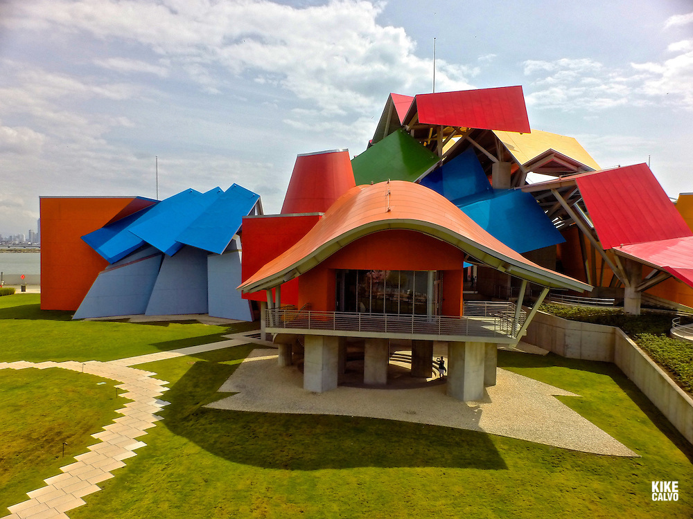 Biodiversity Museum, designed by world-renowned architect Frank Gehry, the Biomuseo is his only work in Latin America and the tropics.