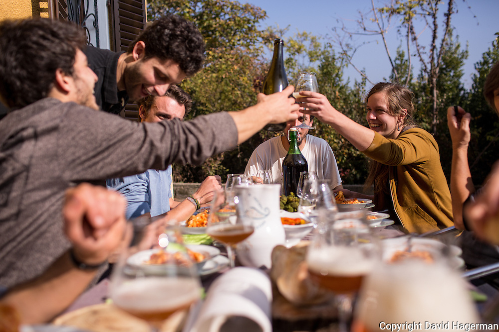 Luca Bonelli purs beer for guests at  Birrificiao Agricole di Montcalieri