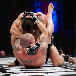 JOHNNY WILLIAMS AND PAUL KINGDON GRAPPLE ON THE MAT - UCMMA 34 2 JUNE 2013