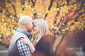 Christina & Otto's sweet autumn Riverside Park engagement shoot