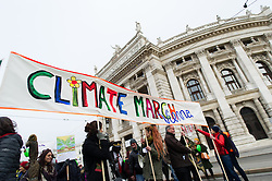 "29.11.2015, Innere Stadt, Wien, AUT, Globaler Marsch ""System Change, not Climate Change!"" anlässlich des ab morgen stattfindenden Klimagipfel ""COP21"" in Paris. im Bild Demonstranten vor Burgtheater // demonstrators in front of Burgtheater during global climate march in austria according climate summit in paris in the inner city in Vienna, Austria on 2015/11/29 EXPA Pictures © 2015, PhotoCredit: EXPA/ Michael Gruber"