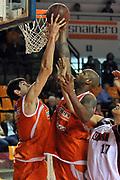 DESCRIZIONE : Udine Lega A2 2010-11 Snaidero Udine Umana Venezia<br /> GIOCATORE : Davide Pascolo, Jason Williams<br /> SQUADRA : Snaidero Udine<br /> EVENTO : Campionato Lega A2 2010-2011<br /> GARA : Snaidero Udine Umana Venezia<br /> DATA : 17/04/2011<br /> CATEGORIA : Rimbalzo<br /> SPORT : Pallacanestro <br /> AUTORE : Agenzia Ciamillo-Castoria/S.Ferraro<br /> Galleria : Lega Basket A2 2010-2011 <br /> Fotonotizia : Udine Lega A2 2010-11 Snaidero Udine Assigeco Umana Venezia<br /> Predefinita :