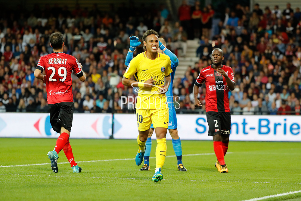 Neymar da Silva Santos Junior - Neymar Jr (PSG) missed to score, Christophe KERBRAT (En Avant De Guingamp), Jordan IKOKO (En Avant De Guingamp), Karl-Johan JOHNSSON (En Avant De Guingamp) during the French championship L1 football match between EA Guingamp v Paris Saint-Germain, on August 13, 2017 at the Roudourou stadium in Guingamp, France - Photo Stephane Allaman / ProSportsImages / DPPI