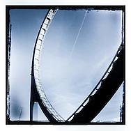 DOM      32                                                      Hamburg Homage Serie DOM 2015.                                                  C-Print auf eine MDF-Platte mit einer Stärke von 5 mm gebracht und mit einer besonderen Schicht aus Wachs versiegelt.<br /> Format: 20 cm x 20 cm. 30 cm x 30 cm. 60 cm x 60 cm.<br /> Limitierte Edition von 99 ist vom Künstler handsigniert und nummeriert.                           ©Nero Pécora