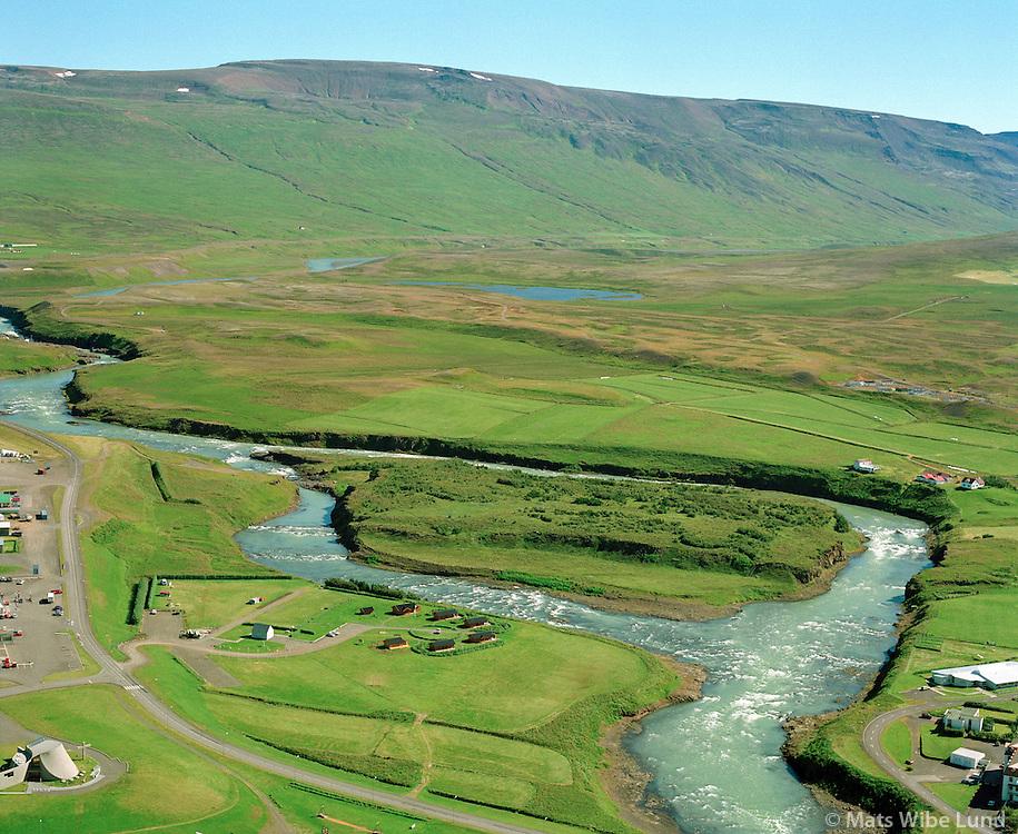 Glaðheimar orlofshús og tjaldstæði við Blöndu, Blönduós..Gladheimar holiday resort and camping at the banks of river Blanda, Blonduos