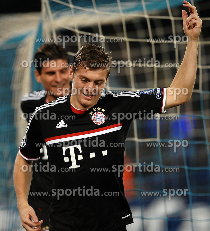 18.10.2011, San Paolo Stadion, Neapel, ITA, UEFA CL, Gruppe A, SSC Neapel (ITA) vs FC Bayern Muenchen (GER), im Bild Esultanza dopo il gol di Toni KROOS Bayern.Toni KROOS celebrates scoring // during UEFA Champions League group A match between SSC Neapel (ITA) and FC Bayern Muenchen (GER) at San Paolo Stadium, Naples, Italy on 18/10/2011. EXPA Pictures © 2011, PhotoCredit: EXPA/ InsideFoto/ Andrea Staccioli +++++ ATTENTION - FOR AUSTRIA/(AUT), SLOVENIA/(SLO), SERBIA/(SRB), CROATIA/(CRO), SWISS/(SUI) and SWEDEN/(SWE) CLIENT ONLY +++++