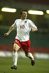 CARDIFF, WALES - WEDNESDAY FEBRUARY 9th 2005: Wales' Simon Davies in action against Hungary during the International Friendly match at the Millennium Stadium. (Pic by Jason Cairnduff/Propaganda)