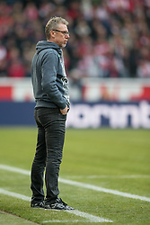 19.03.2016, Rhein Energie Stadion, Koeln, GER, 1. FBL, 1. FC Koeln vs FC Bayern Muenchen, 27. Runde, im Bild Trainer Peter Stoeger (1. FC Koeln) // during the German Bundesliga 27th round match between 1. FC Cologne and FC Bayern Munich at the Rhein Energie Stadion in Koeln, Germany on 2016/03/19. EXPA Pictures © 2016, PhotoCredit: EXPA/ Eibner-Pressefoto/ Schüler<br /> <br /> *****ATTENTION - OUT of GER*****