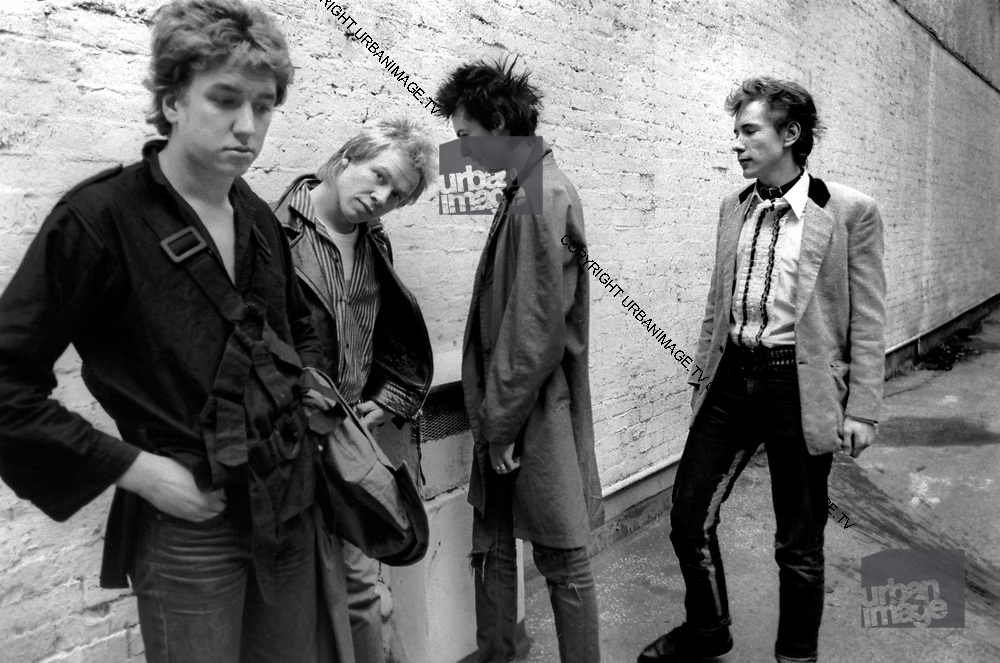 Sex Pistols Oxford Street Glitterbest photosession - 1977