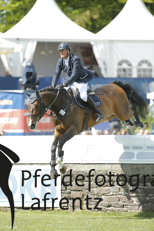 Meyer, Hilmar, Continuo<br /> Hamburg - Hamburger Derby 2015<br /> 2. Qualifikation zum Deutschen Springderby<br /> Riders Tour Wertungsprüfung<br /> © www.sportfotos-lafrentz.de/Stefan Lafrentz