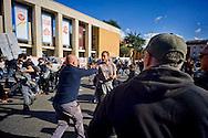 Roma 16 Ottobre 2015<br /> Un centinaio di studenti ha protestato in piazzale Aldo Moro, di fronte all'Università La Sapienza, la sede del  Maker Faire 2015, la fiera dell'innovazione europea organizzata all'interno dell'universita. I manifestanti denunciano l'uso privatistico di una struttura pubblica, l'interruzione delle attività di ricerca e la non trasparenza sull'uso dei ricavi. La polizia carica i manifestanti.<br /> Rome 16 October 2015<br /> A hundred students protested in Piazzale Aldo Moro, opposite the University La Sapienza, the headquarters of the Maker Faire 2015, the European innovation fair organized within the university. Protesters denounce the  private use of a public facility, the interruption of research and lack of transparency on the use of revenues. Police  charged the demonstrators.