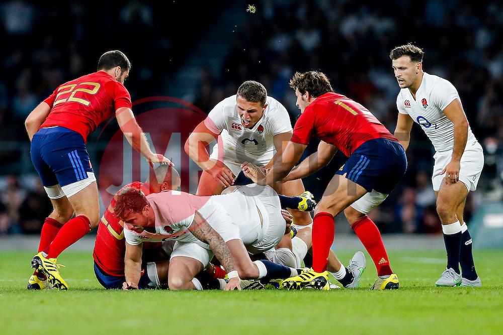 England Inside Centre Sam Burgess in action at th ebreakdown - Mandatory byline: Rogan Thomson/JMP - 07966 386802 - 15/08/2015 - RUGBY UNION - Twickenham Stadium - London, England - England v France - QBE Internationals 2015.