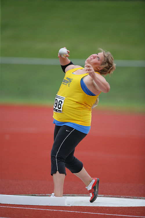 (Charlottetown, Prince Edward Island -- 20090717) \\shot put at the 2009 Canadian Junior Track & Field Championships at UPEI Alumni Canada Games Place on the campus of the University of Prince Edward Island, July 17-19, 2009.  Copyright Geoff Robins / Mundo Sport Images , 2009...Mundo Sport Images has been contracted by Athletics Canada to provide images to the media.