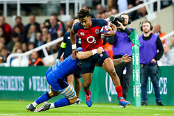 Anthony Watson of England is tackled - Mandatory by-line: Robbie Stephenson/JMP - 06/09/2019 - RUGBY - St James's Park - Newcastle, England - England v Italy - Quilter Internationals