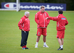 CARDIFF, WALES - Tuesday, October 7, 2008: Wales' manager John Toshack and assistants Roy Evans and Dean Saunders during training at the Vale of Glamorgan Hotel ahead of the 2010 FIFA World Cup South Africa Qualifying Group 4 match against Liechtenstein. (Photo by David Rawcliffe/Propaganda)