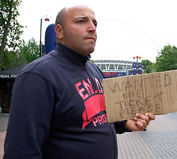 28.05.2011, Wembley Stadium, London, ENG, UEFA CHAMPIONSLEAGUE FINALE 2011, FC Barcelona (ESP) vs Manchester United (ENG), im Bild A fan without a ticket for the 2011UEFA  Champions League final between Manchester United from England and FC Barcelona from Spain, played at Wembley Stadium London, EXPA Pictures © 2011, PhotoCredit: EXPA/ M. Gunn